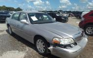 2011 LINCOLN TOWN CAR SIGNATURE LIMITED #1555285671