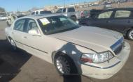 2005 LINCOLN TOWN CAR SIGNATURE LIMITED #1606692011