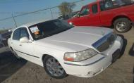 2003 LINCOLN TOWN CAR CARTIER #1612881131